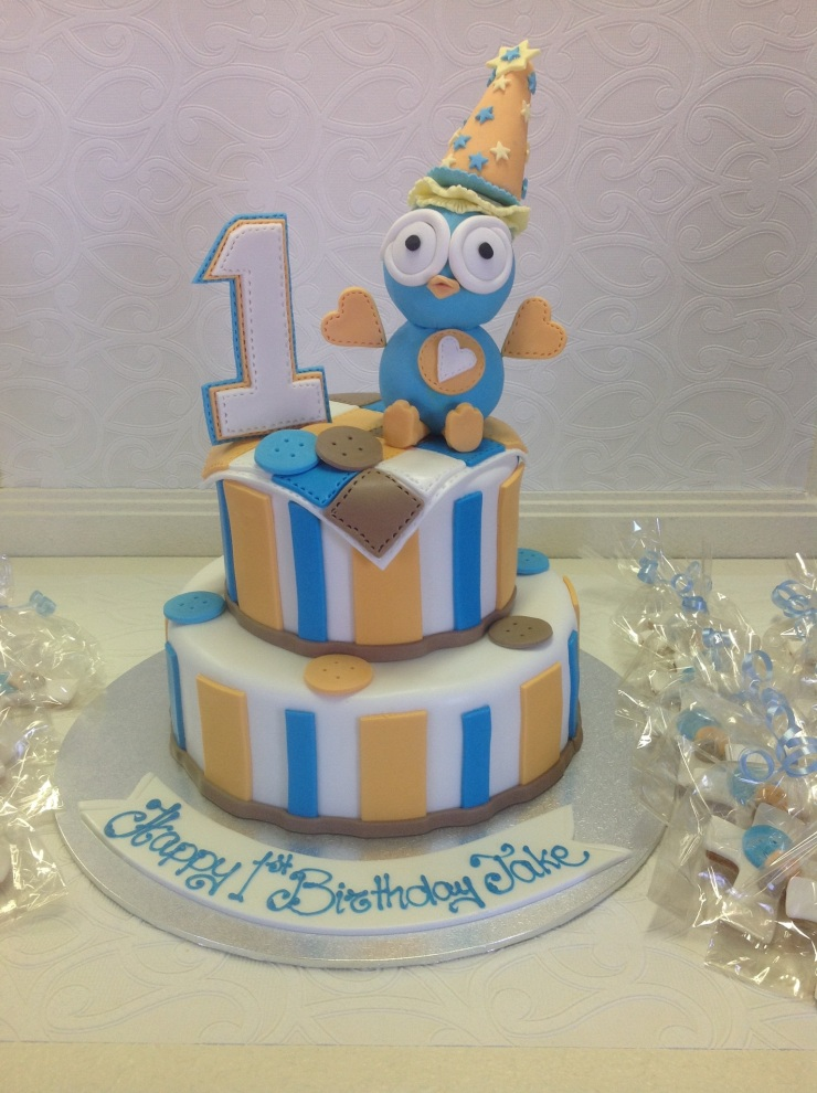 Hoot birthday cake
